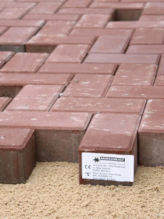 Dualton, duurzame betonstraatstenen, geleverd in Markelo
